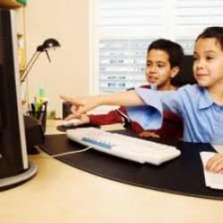 خطرات اینترنت برای کودکان